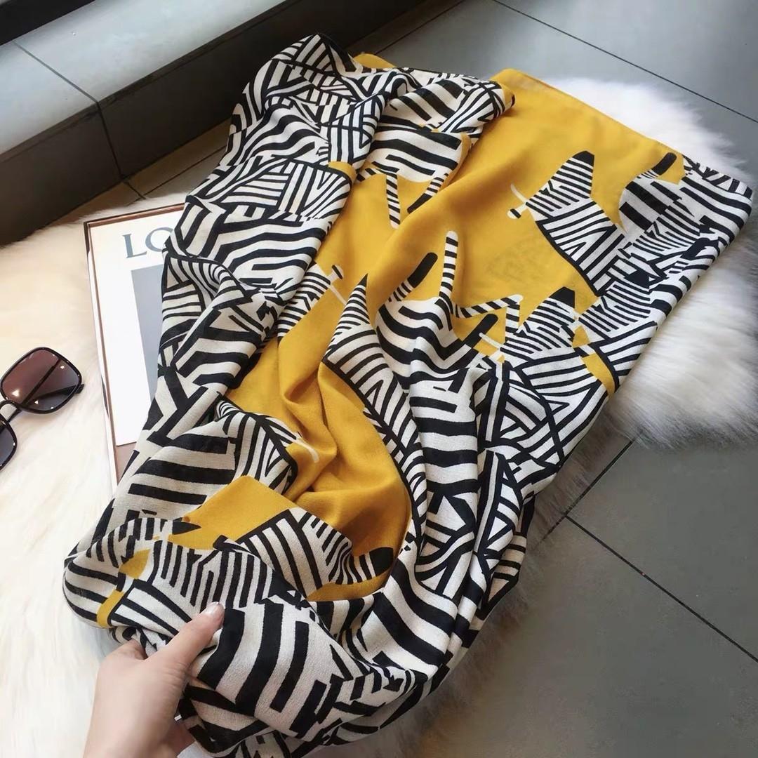 2020年🇰🇷明星同款棉麻斑马纹印花围巾90×180